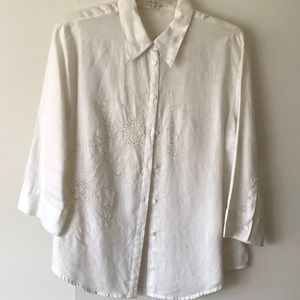 Tops - White linen blouse with embroidery detail